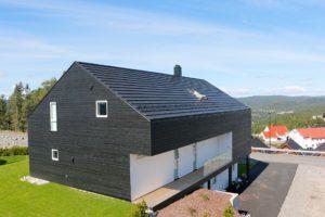 Som eneste helnorske leverandør av alt du trenger til taket, er Skarpnes produkter særlig godt tilpasset norske forhold og byggtekniske krav 12
